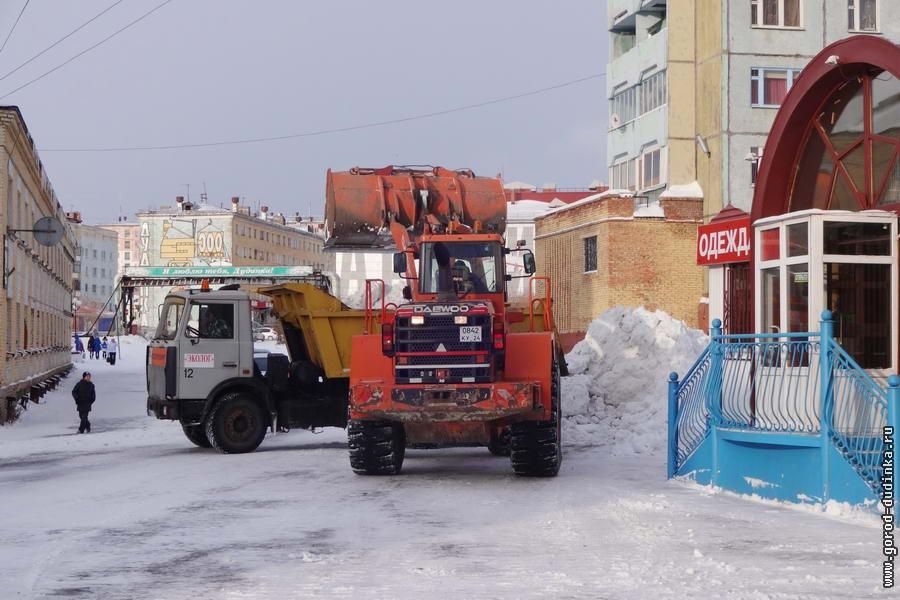 Пермский градоначальник подверг критике уборку снега в городе