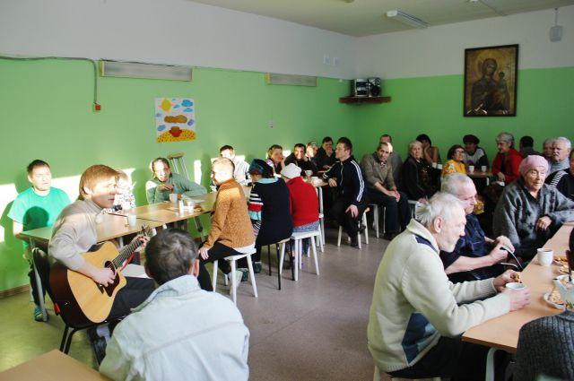Две тысячи блинов испекли пермские школьники в рамках благотворительной акции
