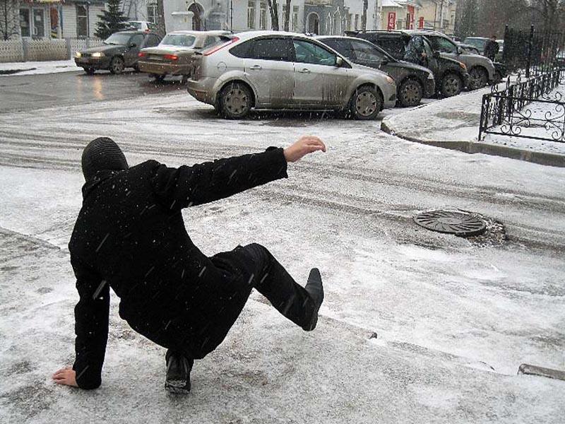 Жительница  Перми получит 130 тысяч рублей за травму на обледеневшей дороге