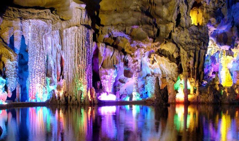 Кунгурская  ледяная пещера в опасности из-за нелегальной свалки