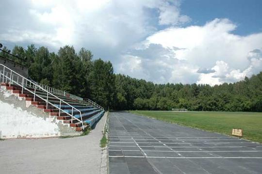 В Березниках завершат реконструкцию футбольного поля