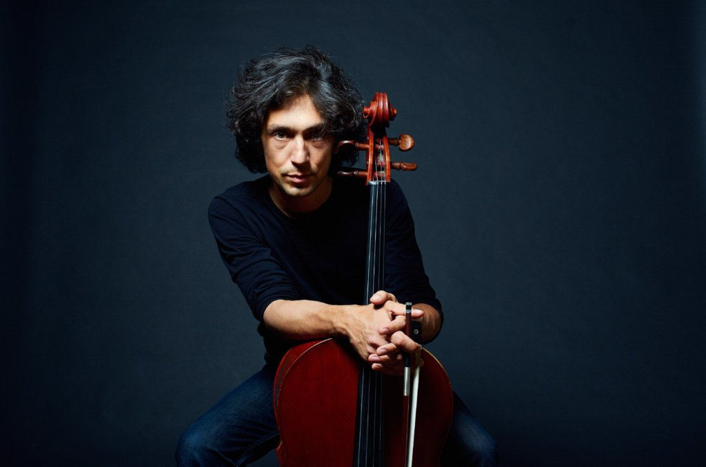 В Перми стартует тур «летающего виолончелиста»