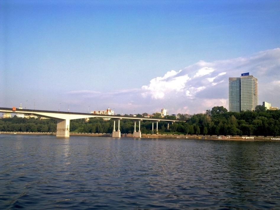 Коммунальный мост ремонтируют некачественно