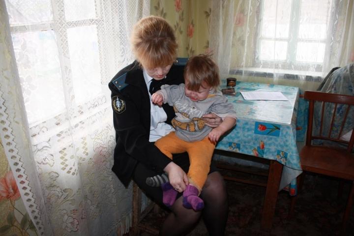 У прикамских инспекций по семьям несовершеннолетних отберут права