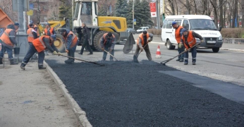 В Прикамье продолжаются ремонты дорог и скверов