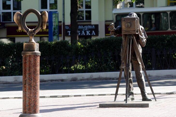 В Перми делят памятник «Пермяк солёные уши»