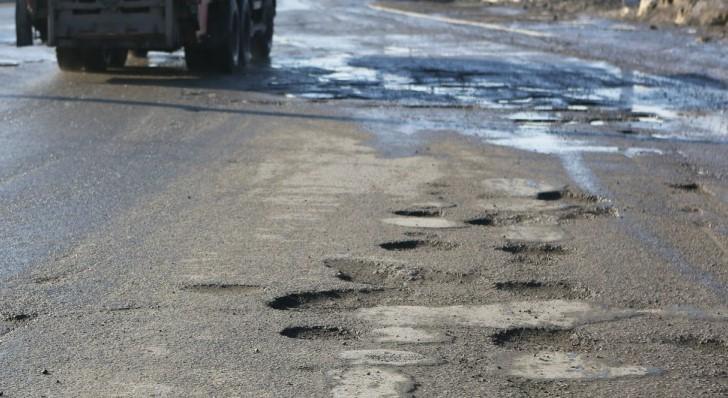 В Перми изучают состояние дороги на Монастырской