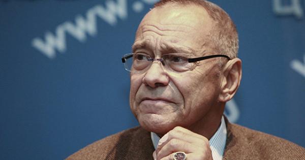 Кончаловский стал совладельцем сети аптек в Перми