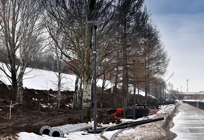 На набережной Камы началось строительство спортивной площадки