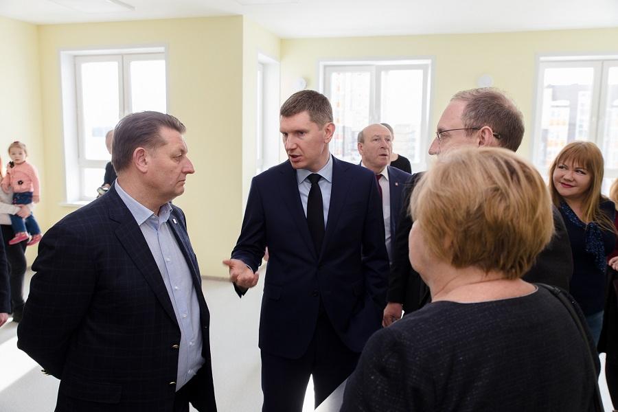 Губернатор Прикамья встретился с представителями компании «Девелопмент-Юг»