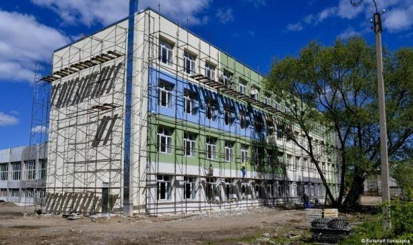 На Вышке-2 открылась реконструированная школа