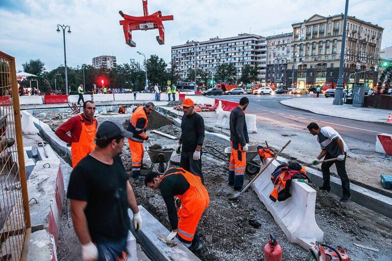 Иностранные граждане не смогут работать по некоторым специальностям в Прикамье