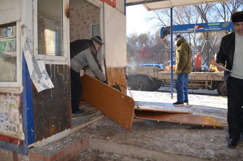 Пермские бизнесмены добровольно демонтируют несоответствующие выставки