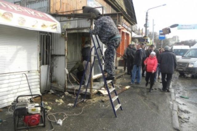 В Перми освобождают территорию возле Центрального рынка